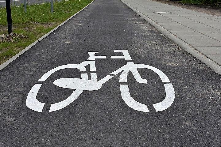 """""""Wężykiem"""" na rowerze"""