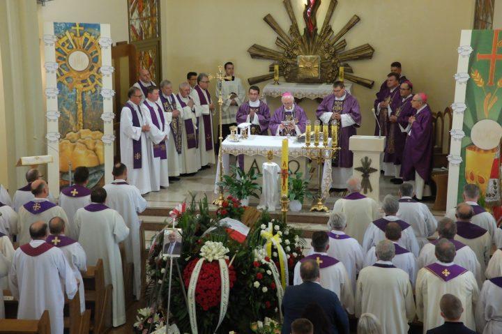 Dziękuję Ci bracie za Twój przykład wierności Bogu – abp Wacław Depo pożegnał zmarłego brata Jerzego