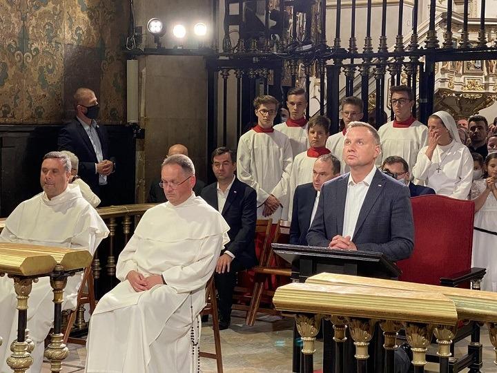 Prezydent Andrzej Duda z modlitwą wdzięczności i zawierzenia