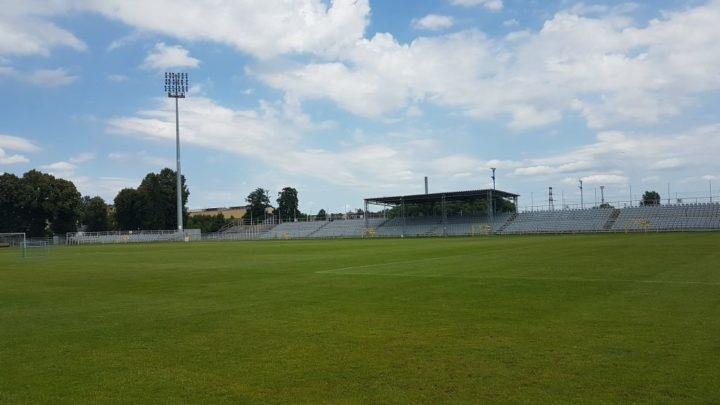Umowa na modernizację stadionu Rakowa wreszcie podpisana