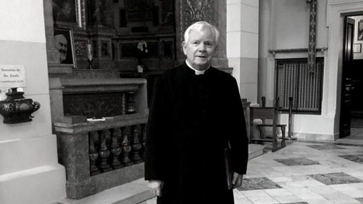 Pogrzeb ks. Bronisława Piaseckiego, kapelana kard. Wyszyńskiego