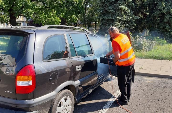 Bezpłatna akcja dezynfekcji samochodów