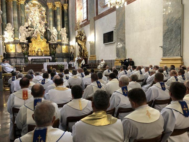 Kapłani archidiecezji częstochowskiej zawierzyli się Matce Bożej