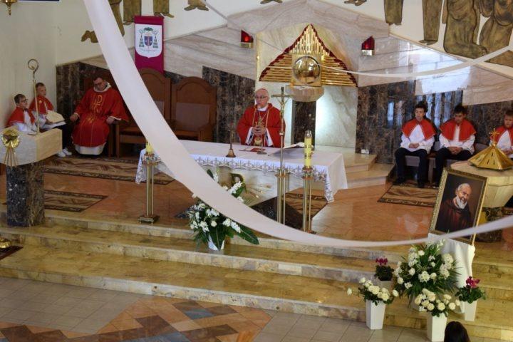 Św. Ojciec Pio patronem szkoły w Winownie