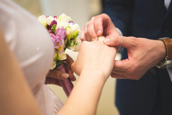 Ślub i nauki przedmałżeńskie w czerwonej strefie
