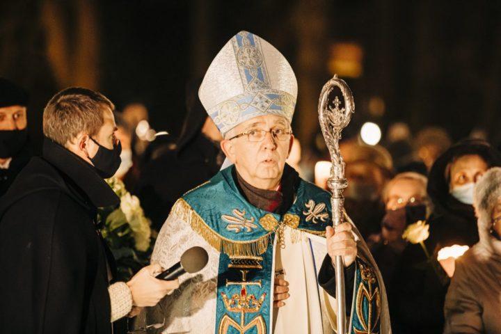 Abp Depo: czy ci, którzy niszczą pomniki Jana Pawła II, poznali jego nauczanie?
