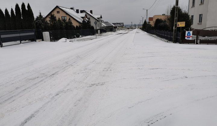 Fatalne warunki na drogach. Lepiej uważać podczas jazdy