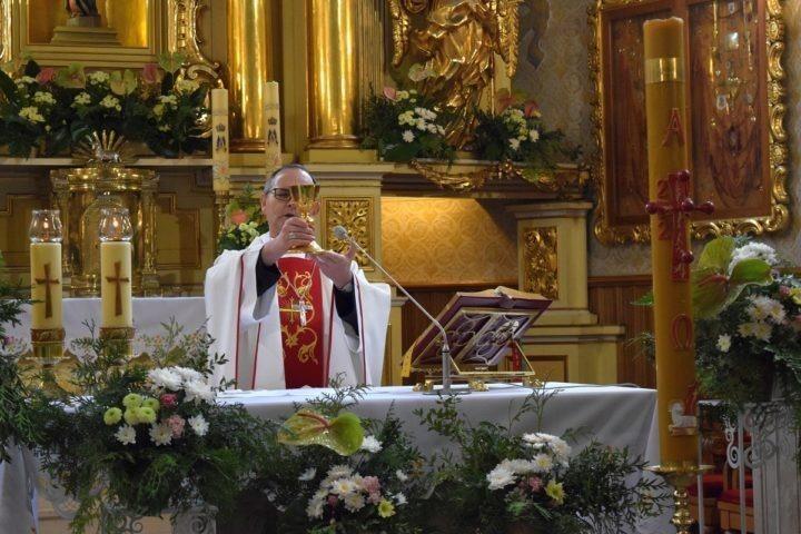 Pójść za głosem Jezusa bez względu na wszystko – bp Andrzej Przybylski w Leśniowie w modlitwie o powołania