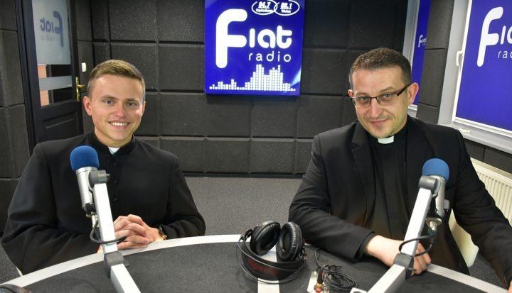 Kościół codzienny – komentują ks. Sebastian Kosecki i ks. Mariusz Bakalarz